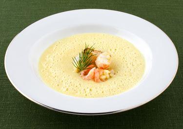 Jordärtskockssoppa med curry och skaldjur