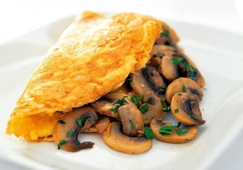 Fransk omelett med champinjoner