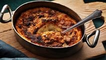 Brandade på bakpotatis med pepparrot och brynt smör