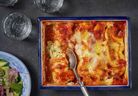 Cannelloni med basilika och tomatsås