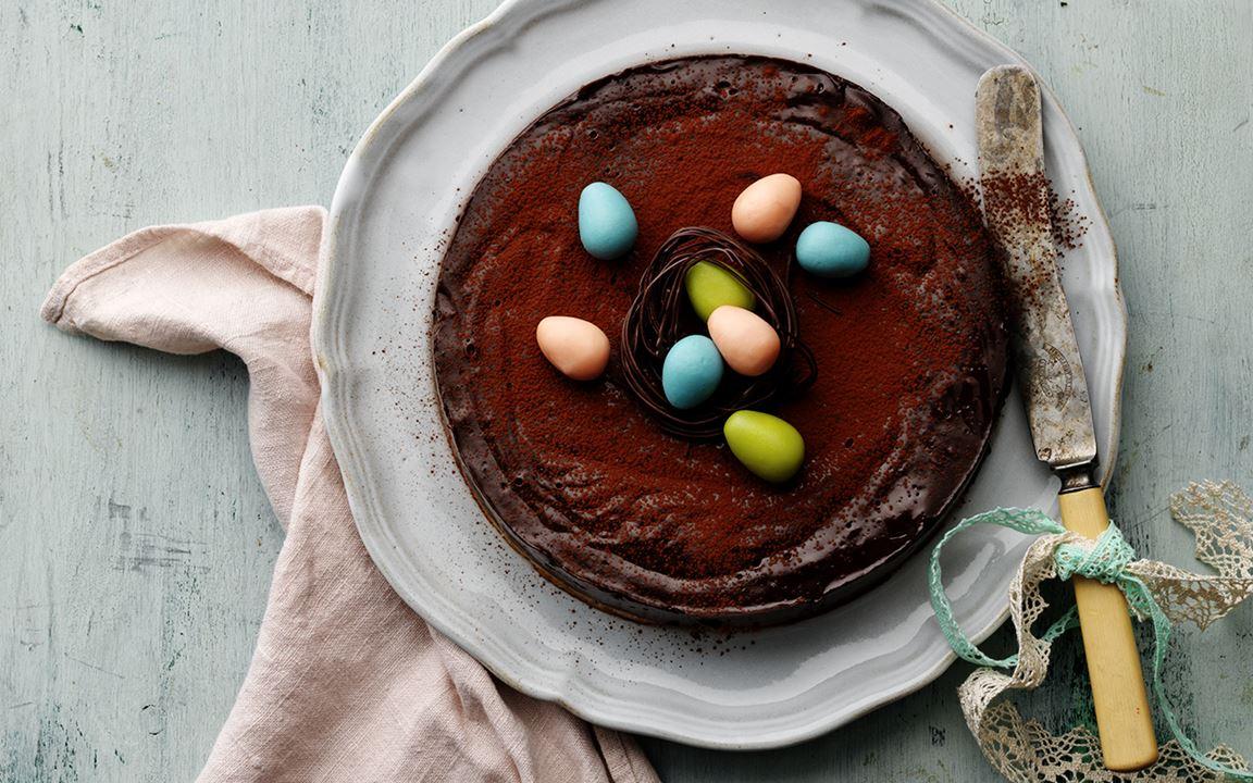 Påsktårta med choklad och mandelmassa