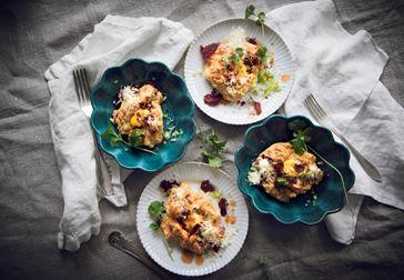 Egg clouds med cheddar och bresaola