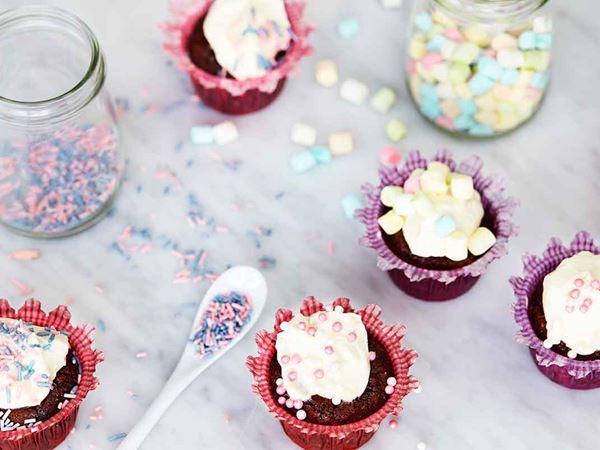 Chokladmuffins med riven morot och frosting