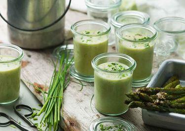 Sparrissoppa med avokado