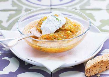 Rabarbergazpacho med dillklick