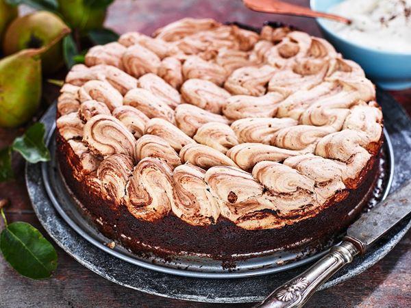 Chokladkladdkaka med chokladmaräng