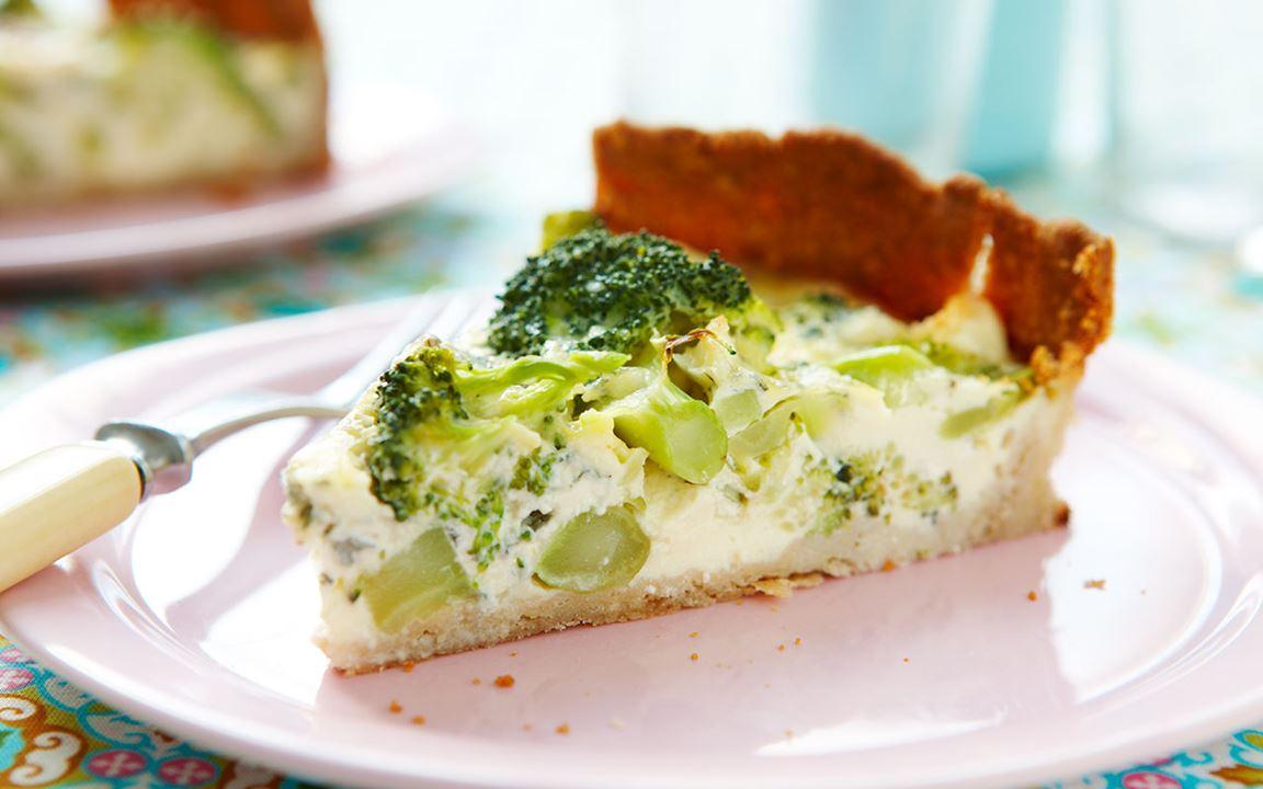Broccolipaj med ädelost