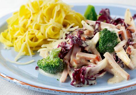 Broccolipasta med skinka