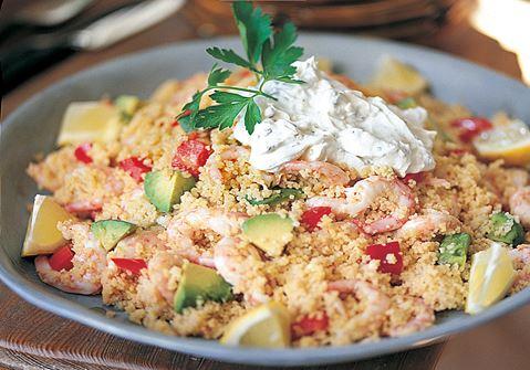 Couscous med avokado och räkor