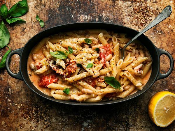 One pot pasta med bönor och soltorkade tomater