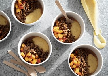 Smör- och ingefärskaramelliserat äpple med vaniljkräm