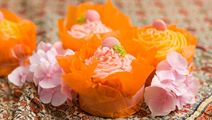 Vaniljcupcakes med färgglad topping