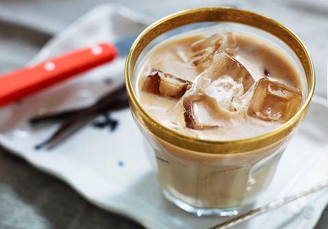 Kaffedrink med vaniljkaramell