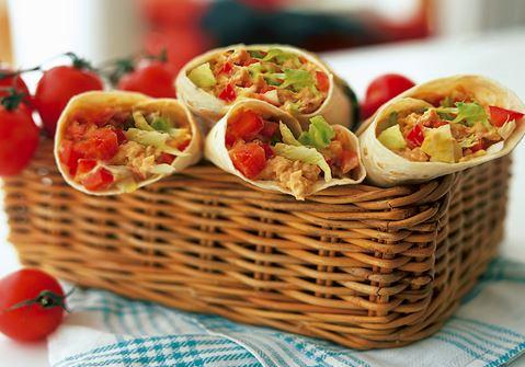 Vegetariska wraps med hummus