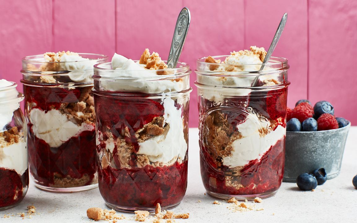 Skogsbärscheesecake i glas