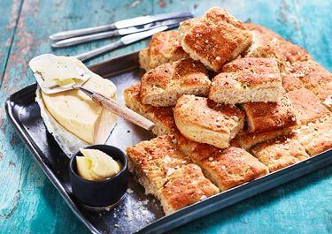 Långpannebröd med brödkryddor