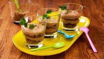 Karamelliserad chokladmousse med havrekrisp
