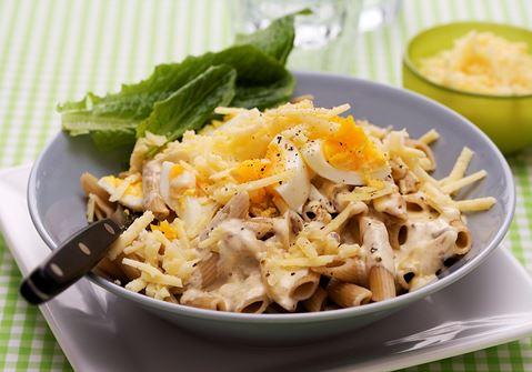 Pasta med ägg och sardeller