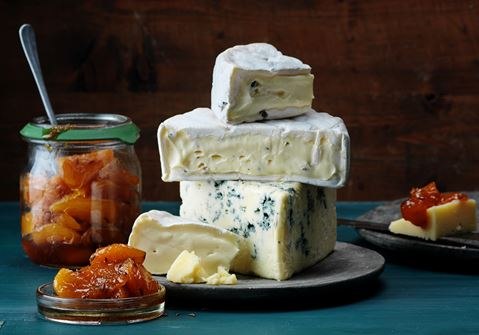 Syltade aprikoser till ostbricka