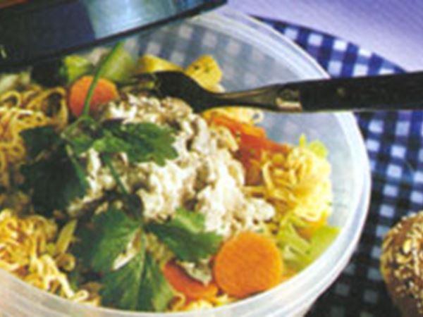 Nudlar med rostbiff och wokgrönsaker