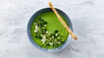 Laktosfri grönärtssoppa med yoghurt och grissini