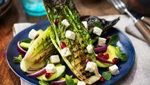 Grillad sallad med avokado och vitost