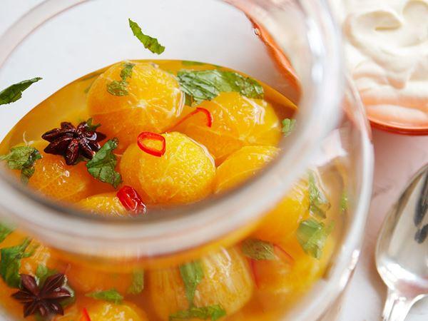 Clementiner med honungssås