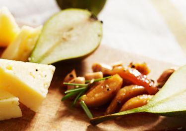 Päronkompott med rostade mandlar