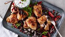 Kyckling med belugalinser och granatäppelkärnor