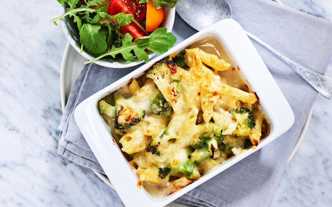 Pastagratäng med broccoli