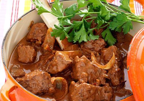 köttgryta med chili och choklad