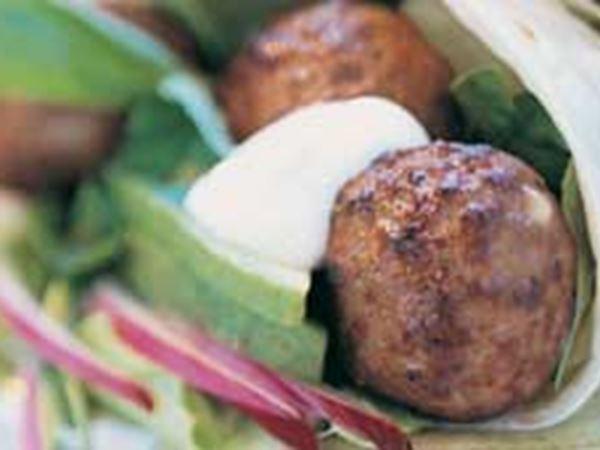 Burrito med kryddiga köttbullar