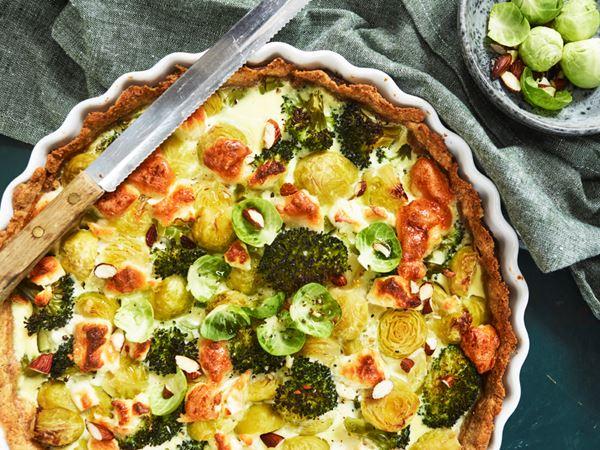 Broccoli- och brysselkålspaj med getost