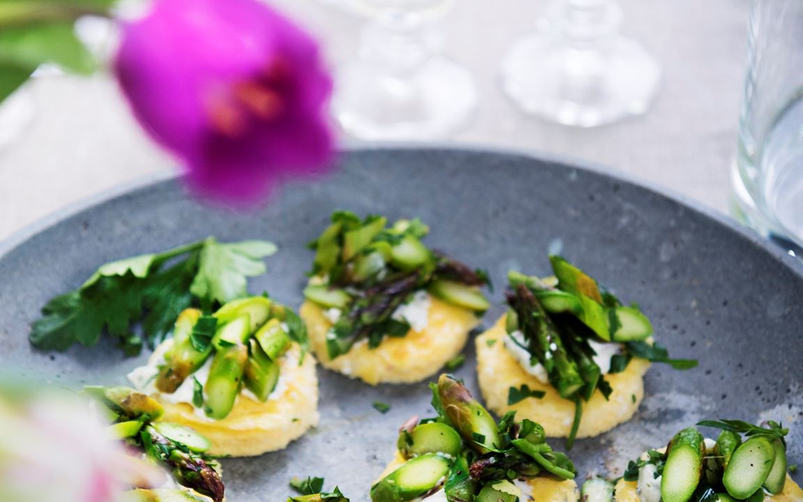 Omelett med manchego och citronfräst sparris