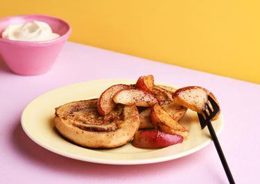 Rika riddare med smörstekta äpplen och vanilj