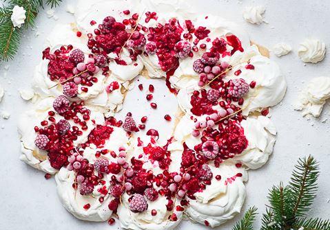 Marängkrans med vit chokladkräm