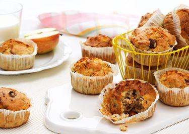 Mellanmålsmuffins med äpple och hasselnötter