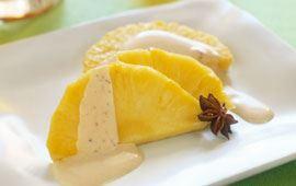 Ananas med varm anissås