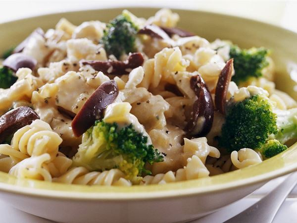 Pasta med broccoli och ost