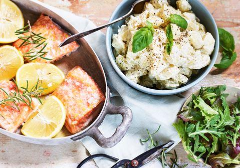 Ugnsbakad lax med enkel potatissallad