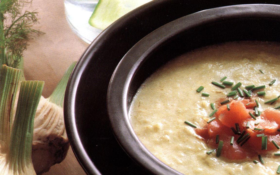 Fänkålssoppa med strimlad lax