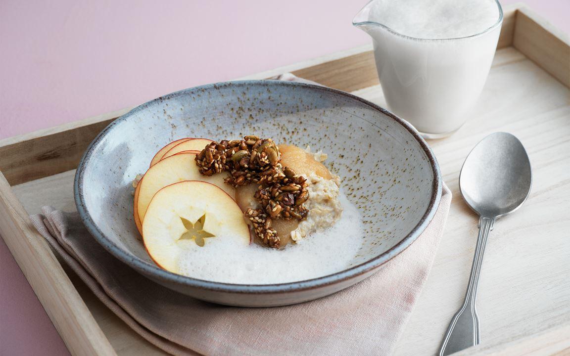 Krämig gröt med äpple och frökaramell
