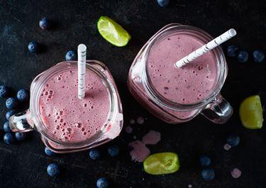 Smoothie med blåbär, vanilj och lime