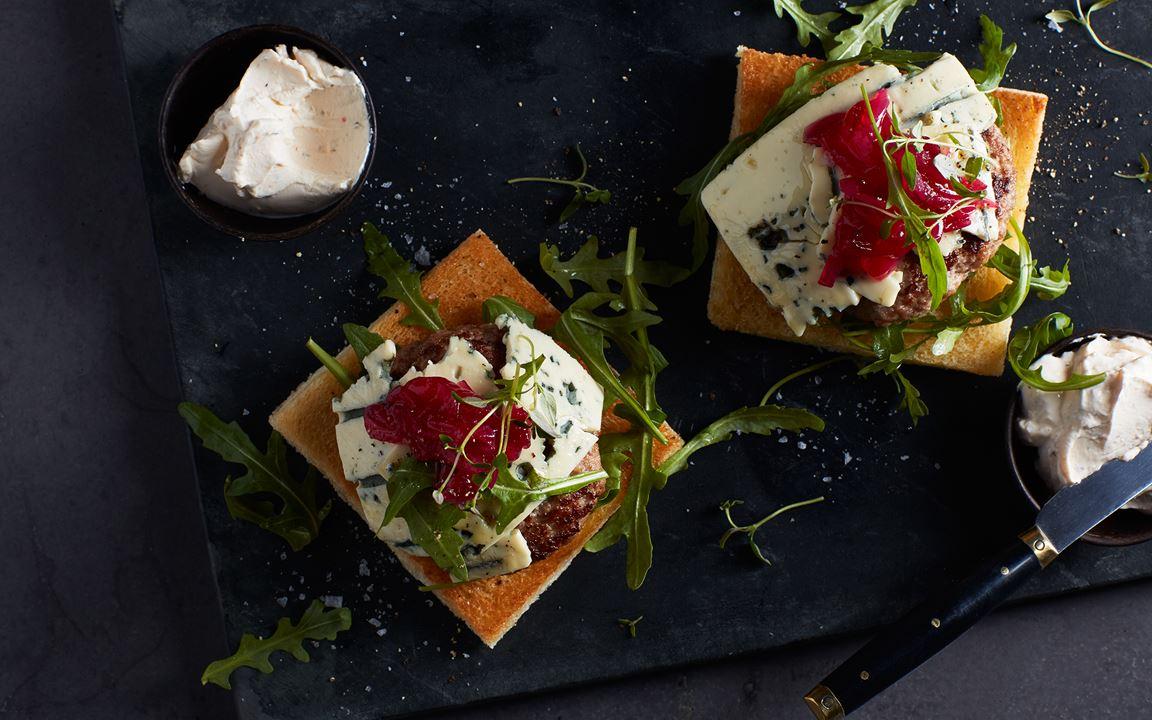 Lammfärsburgare blue cheese