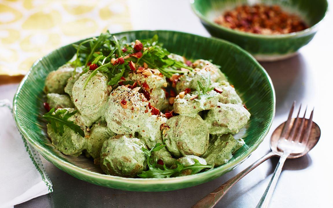 Grön potatissallad med smak av tryffel