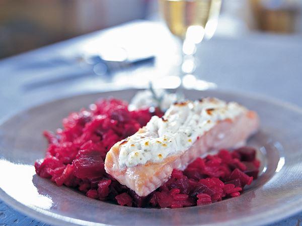 Lax och risotto med rödbeta