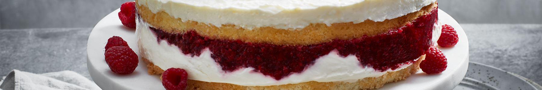 Frukter + Matlagningsyoghurt + Tårta