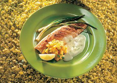 Grillad fisk med mangoröra och limesås