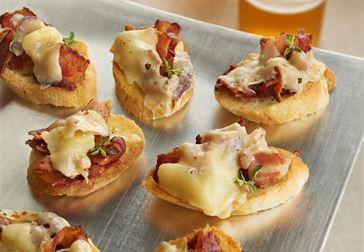Crostini med havarti och bacon