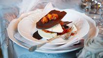 Mörk choklad med ädelost och tomatchutney